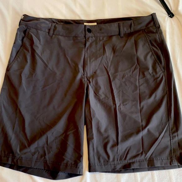 Columbia hybrid Trek shorts 40/50 Excellent shape